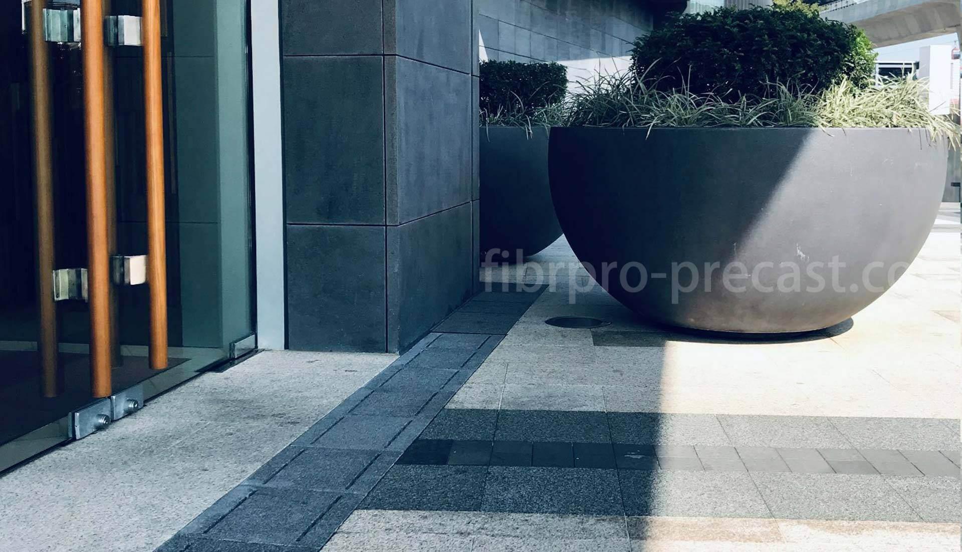 fibrpro-precast_reinforced_stone_grates_02_1920x1102_p01_v01